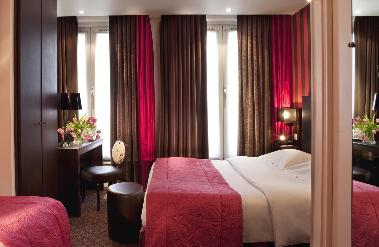 Chambre triple - hôtel star champs-élysées